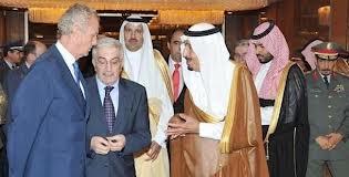 Morenes: Os vendo unas bombas racimo y os regalo la nacionalidad.